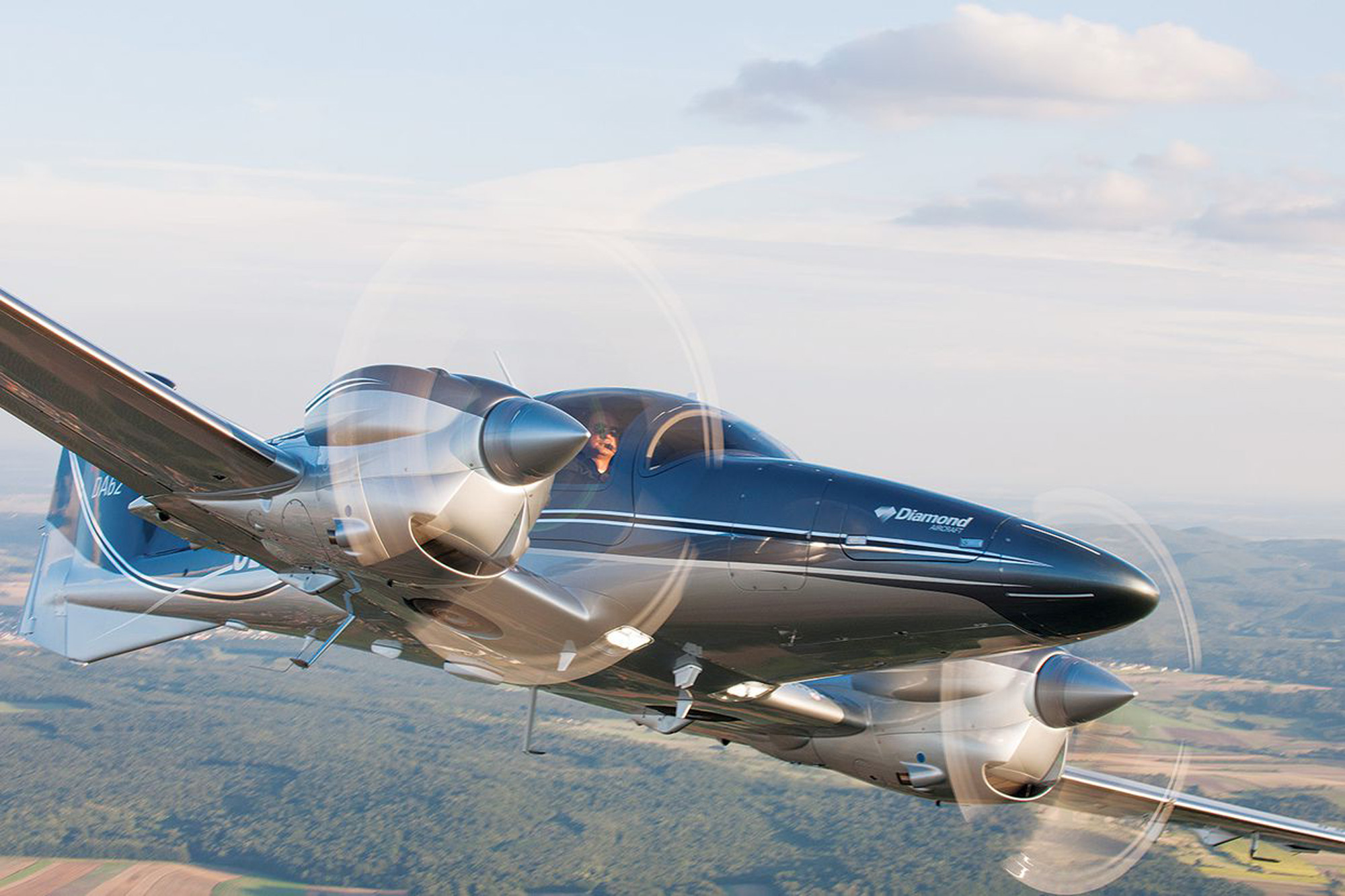 We Fly: Diamond DA62 | Flying